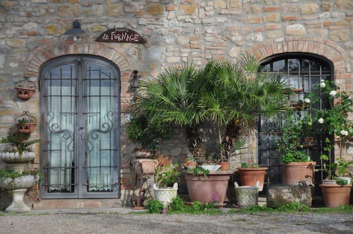 "Rooms ""La Fornace"" on the Via Francigena"