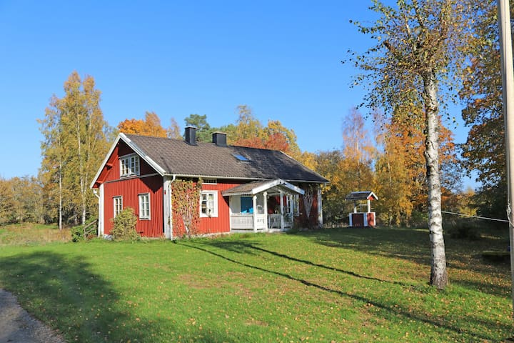 House from 1820, in the forest, 1,5 km from lake