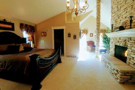 King Bed Bella Suite