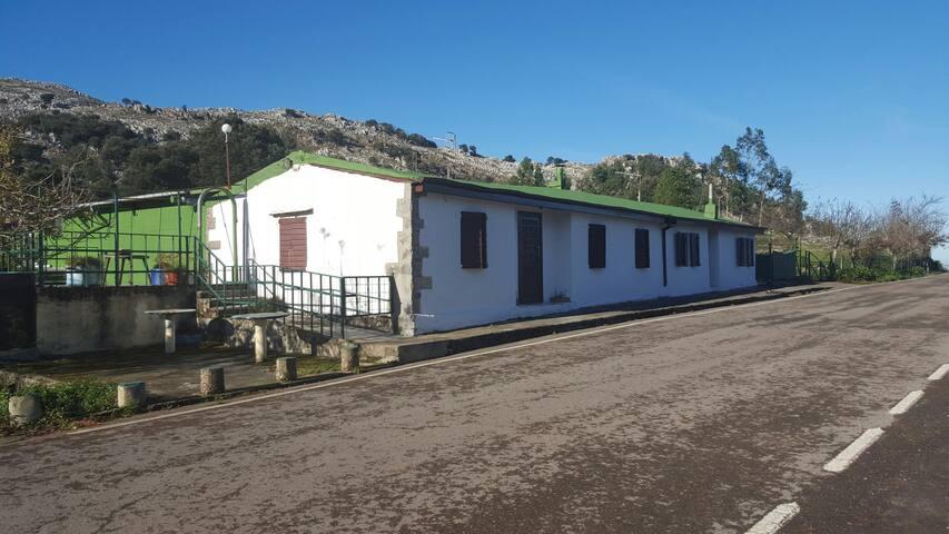 Cabaña rural cerca de todo. - Cantabria - Srub