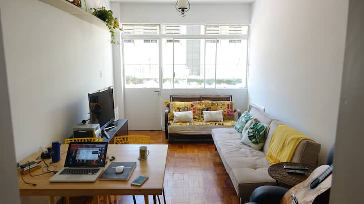 Bright apartment with terrace next to Av. Paulista