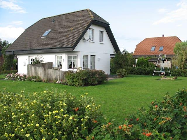 """Das """"Weiße Haus"""" - Friedrichskoog - Casa"""