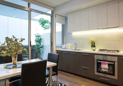 Outstanding secure Richmond apartment close to CBD