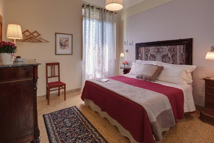Bedroom #7 Queen size bed