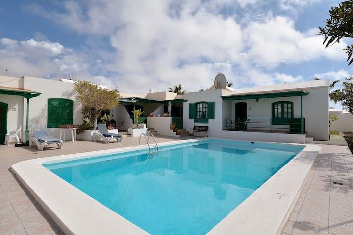 Puerto del Carmen Share Pool Terrace and wifi!