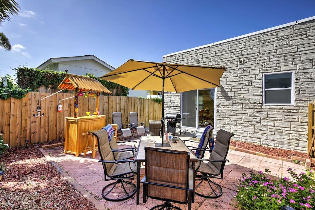 Private Daytona Beach House W Bar Walk To Beach Houses For Rent In Daytona Beach Florida