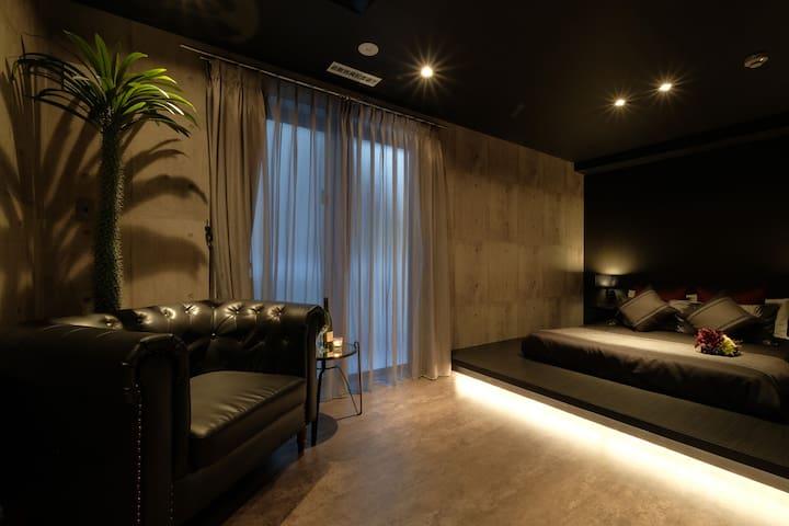 寝室1(ダブルベッド2000*1400×1)/ Bedroom 1 (Double Bed 2000 * 1400×1)