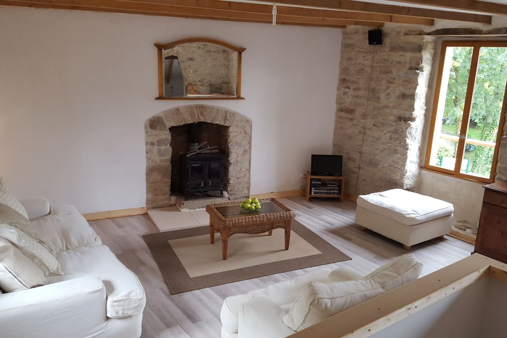 Maison ancienne chambre d 39 hote bed breakfasts for for Chambre d hote brittany