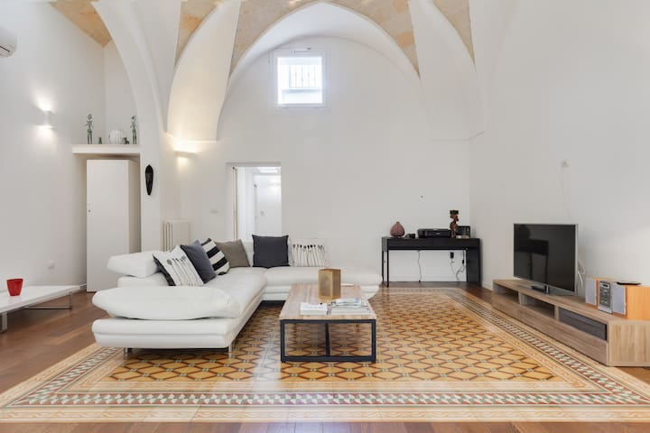 Beautiful and spacious 16th century townhouse