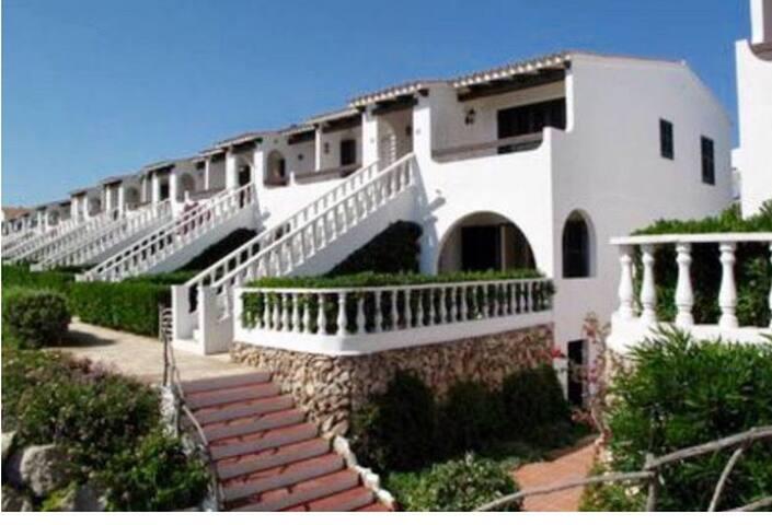 """Mágnifico apartamento playa Arenal d""""en Castell."""