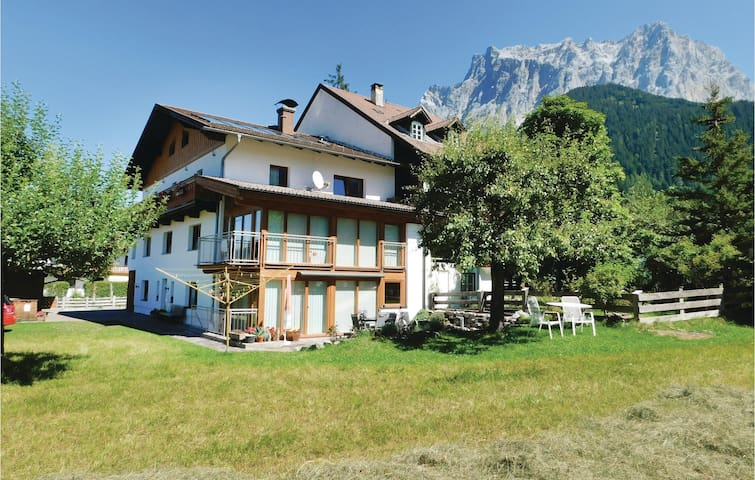 Holiday apartment with 1 bedroom on 45m² in Ehrwald