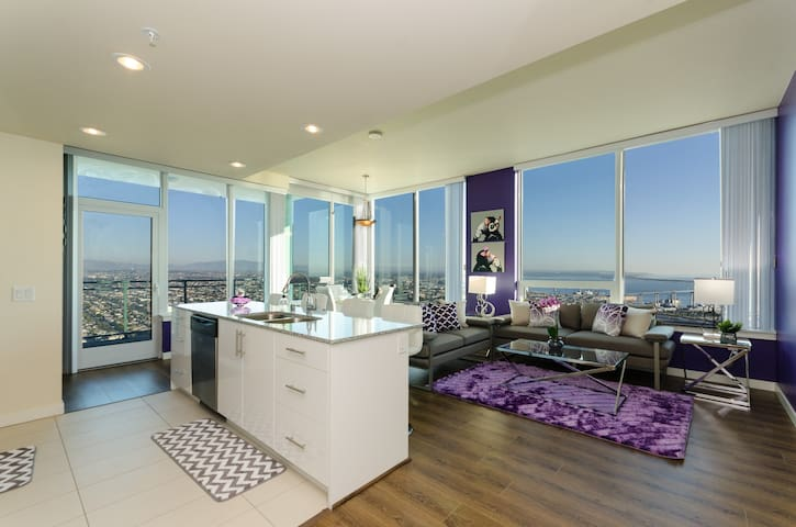 Downtown San Diego Exclusive 3 bedroom Penthouse