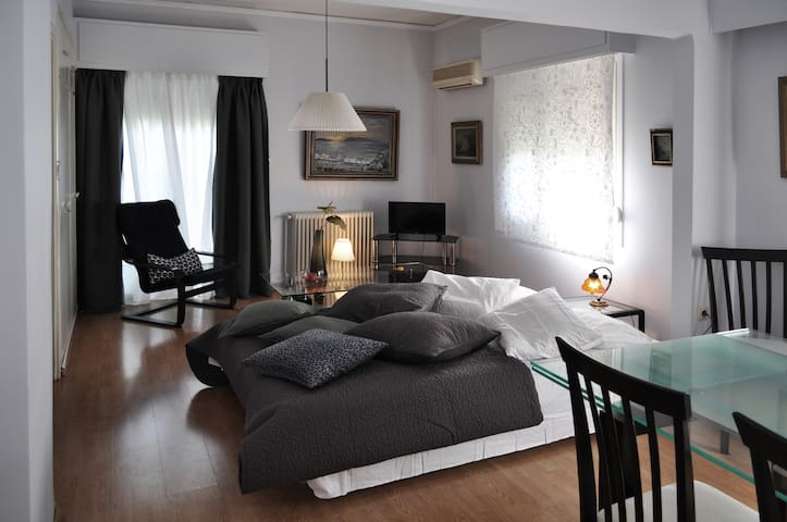 Awesome home, next to everything you need - Chalandri - Apartamento