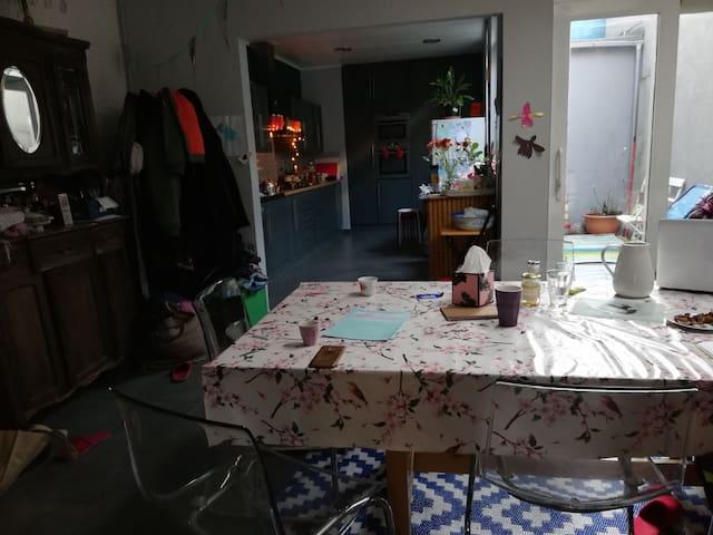 Chambres d'hôtes dans maison accueillante.