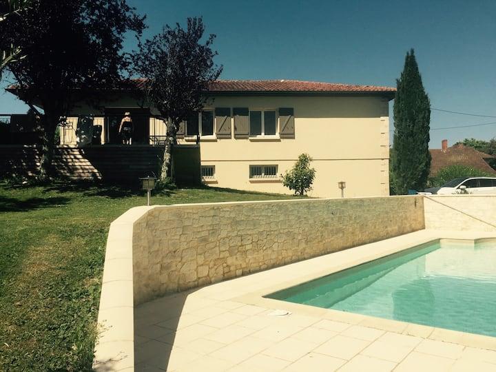 Maison avec piscine à 5KM d'AUCH