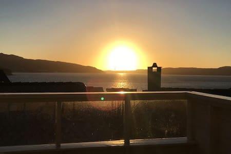 The Sunset- solrik terrasse med fantastisk utsikt.