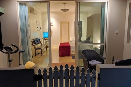 STUDIO-Separate Entrance  (Close to both Airports)