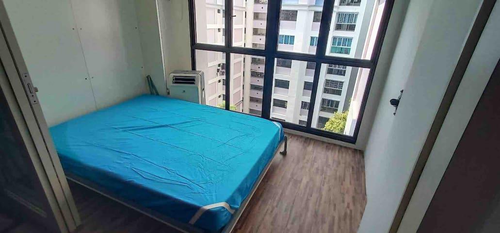 Modern Loft (3 Mins to MRT) - (Retractable Bed)