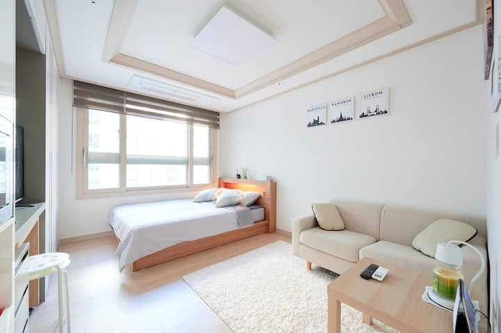[양천향교역] Best Location &  Clean House!!!