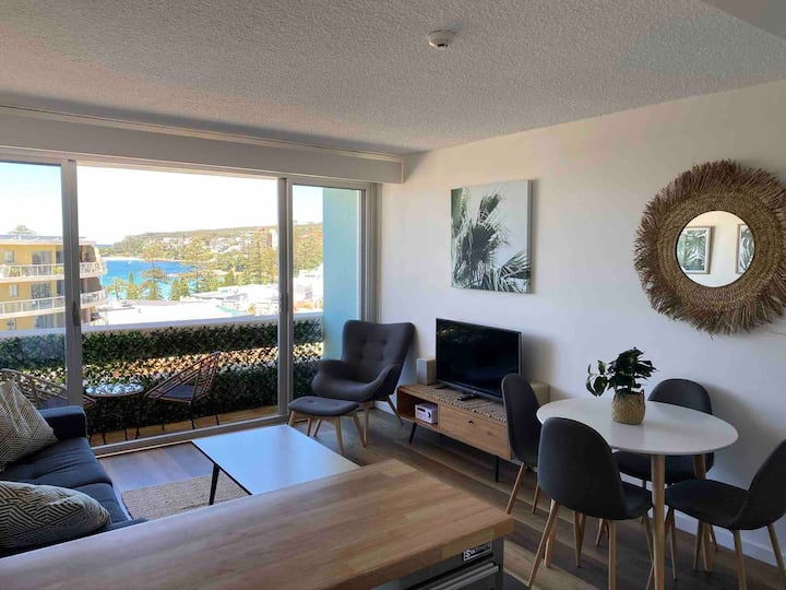 Manly Beach View Apartment Centrally Located