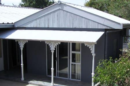 Ongegund Garden Cottage - Riebeeck West - Haus