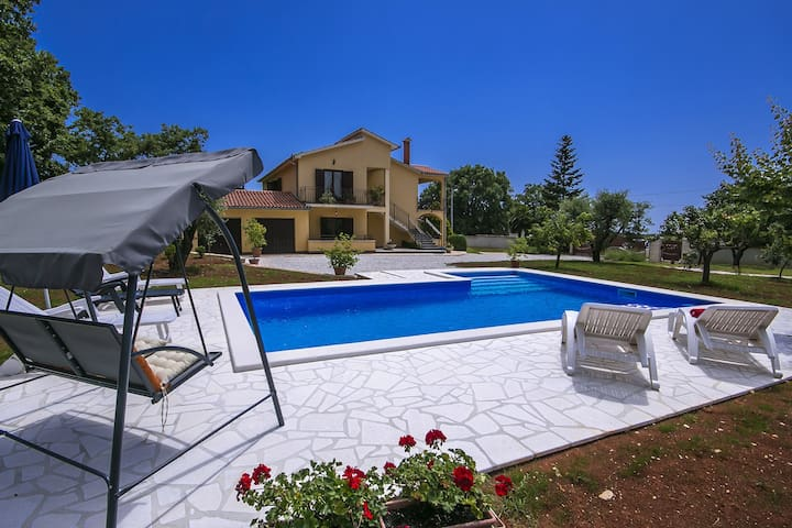 Apartment Petra 2 with swimming pool near Porec - Općina Poreč - อพาร์ทเมนท์