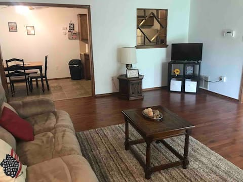 Family friendly townhome/duplex near Fort Sill.