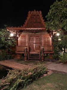Cozy Single Bedroom in Yogyakarta - Mlati - House