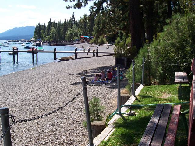 Luxury*Beach Club*70 ScreenWalk to Town,River,Cafe - Tahoe City - Apartment