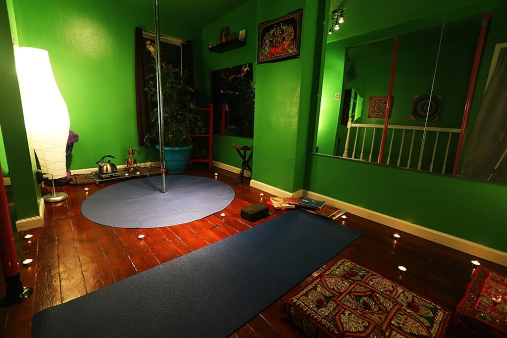 Third floor Yoga room - Ask about booking a private yoga session or a massage.  This room converts into a bedroom for groups of 3 or more.