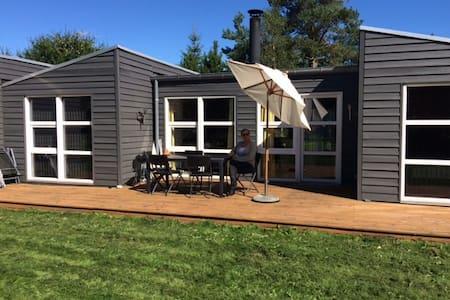 Sommerhus. 10 km fra Ebeltoft - Ebeltoft - Cabin