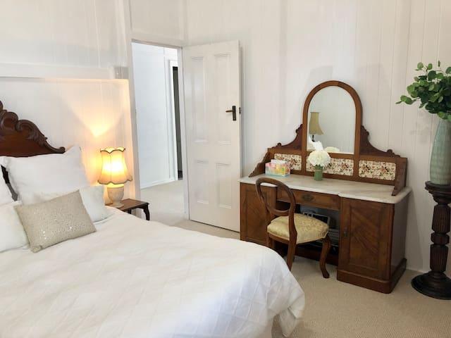 TOP LEVEL - SECOND BEDROOM