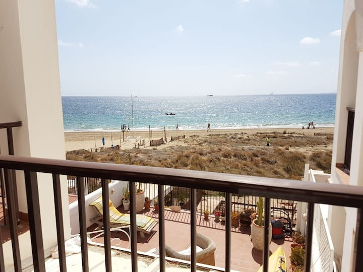 Lovely apartment with amazing sea view and pool