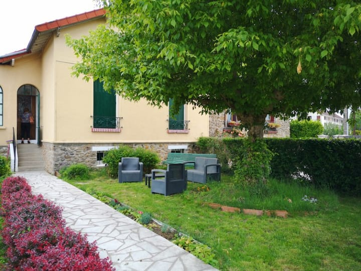 Pavillon jardin Brétigny 5 pers idéal dépl. pro.