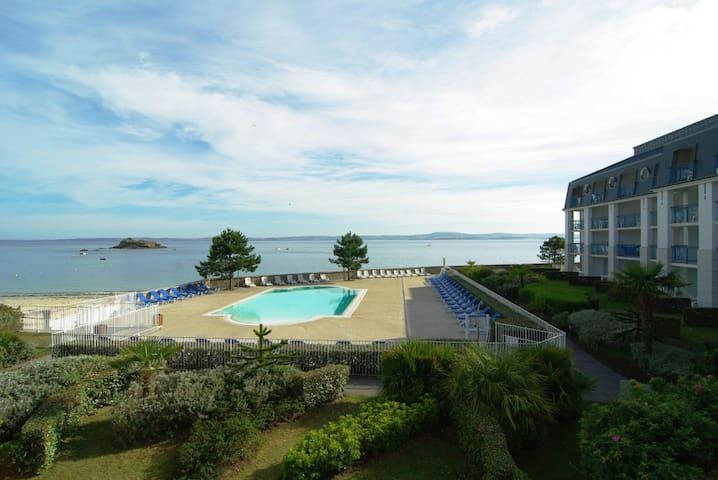 Appartement + loggia  face mer avec piscine - Douarnenez - Flat