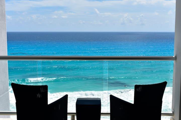 Amazing Beach front loft 4 pax ocean view P. 501.B