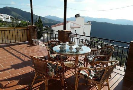 Casa La Era: a charming house in a moorish village - Canillas de Aceituno