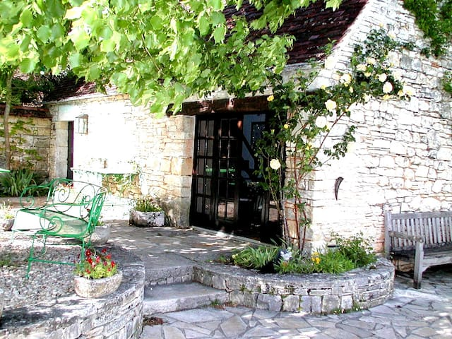 """Maison """"La bergerie"""" / Chateau d'Uzech - Uzech - Naturstuga"""