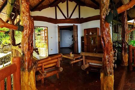 Alindajao Villa - Private Cottage with Ocean Views