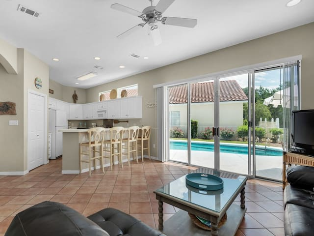Southern Comfort, Private house at TOPS'L, Outdoor pool, Minutes from the beach