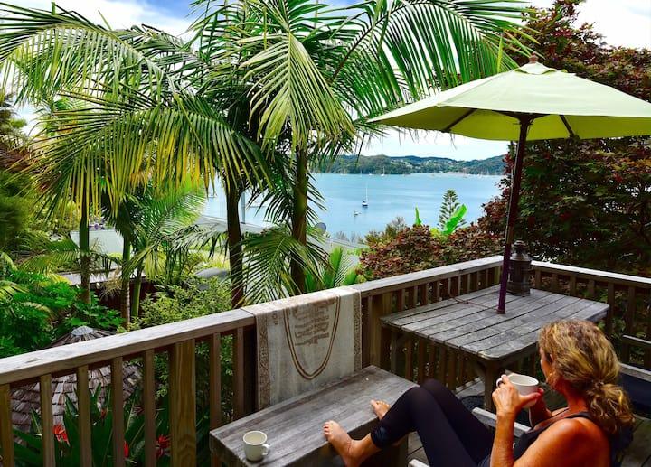 Polynesian Beach Loft On The Bay!
