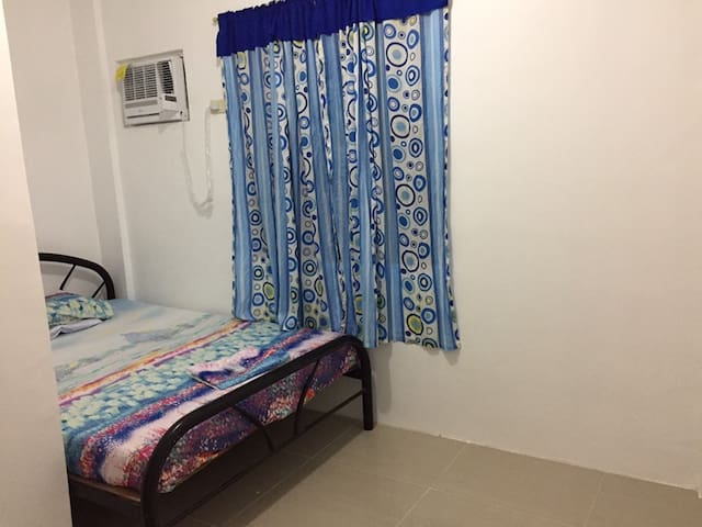 Jane's Vacation Rental -1 Room Amaris Homes/Cavite