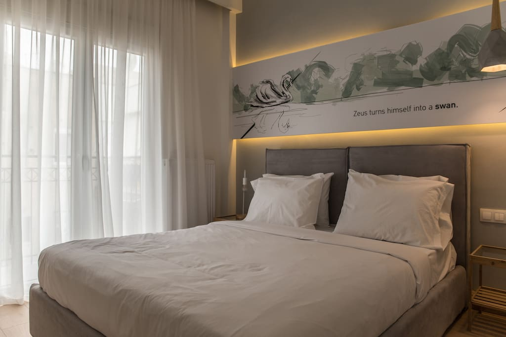 Bedroom with queen size bed, big closet, access to the balcony, aircondition, television and blinds.