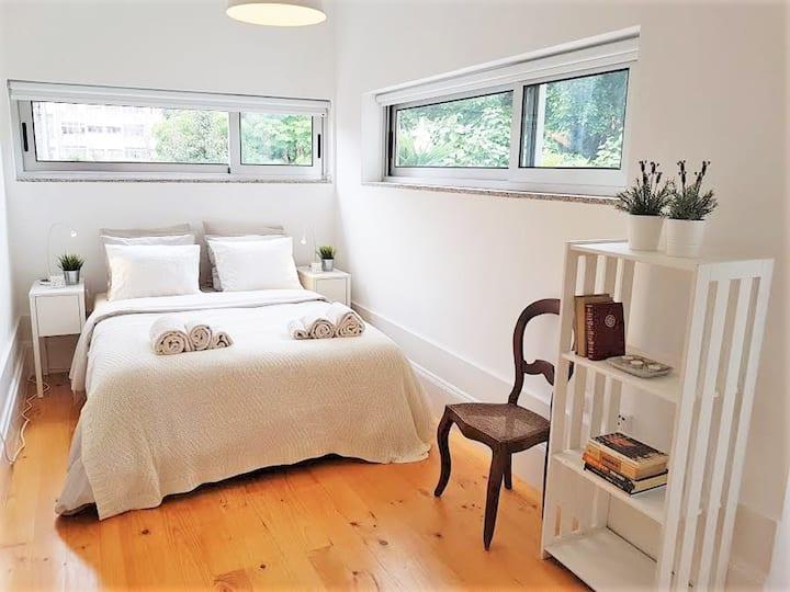 Bright Breiner Apartment