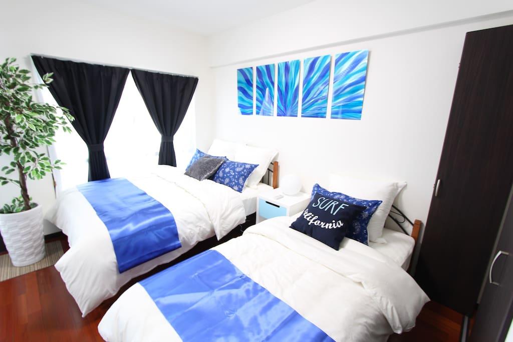 Bedroom 寝室