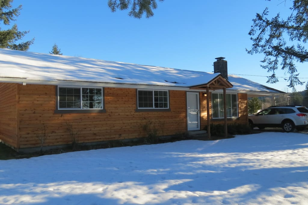 Clean 1250sf  home within the Randle East community