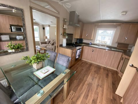 Cosy & Modern Cabin In Heart of Northumberland