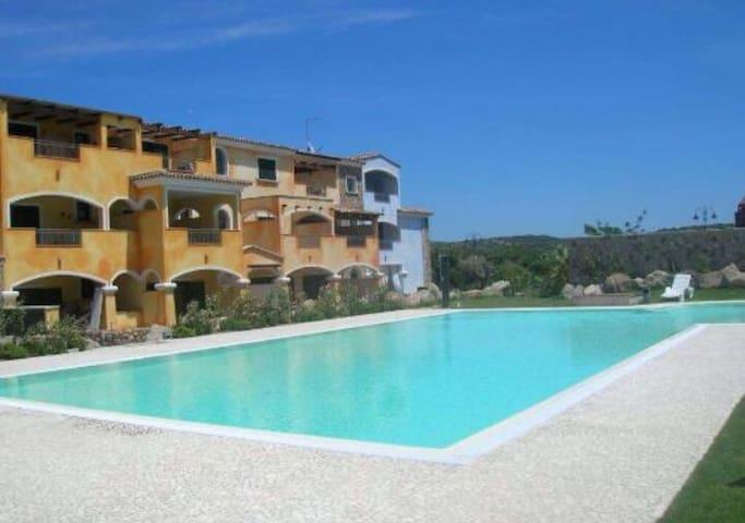 Ampio bilocale con terrazza, Santa Teresa  Gallura