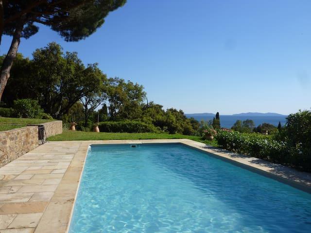 Heart Village, calm, view, pool,beach 10mn by feet