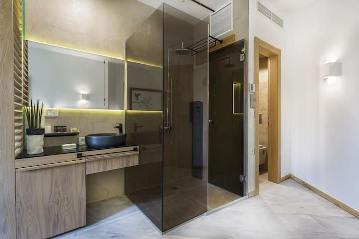Superior Double Room | Kalamaki Luxury Suites